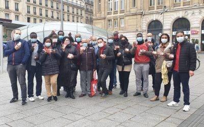 Tous les jeudis, les équipes FO de l'Hôtellerie Restauration distribuent les PASS Solidarité TPE